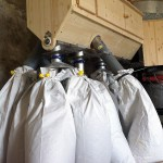 les moulins de biocourt - vue des sacs remplis de farine